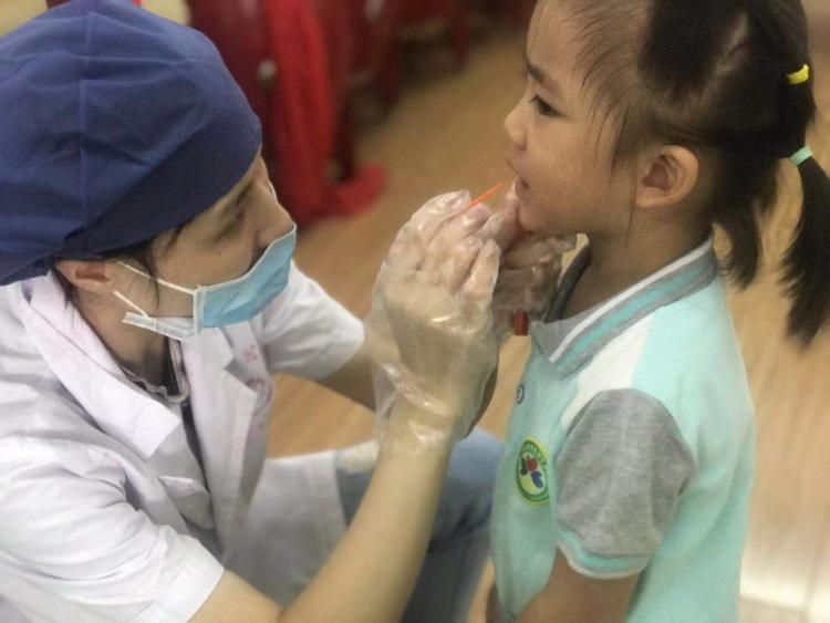 我市儿童口腔疾病综合干预项目启动